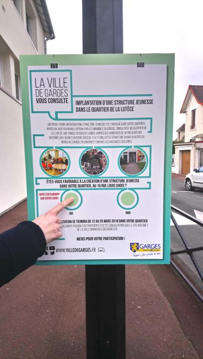 Exemple d'affiche connectée à Garges-lès-Gonesse